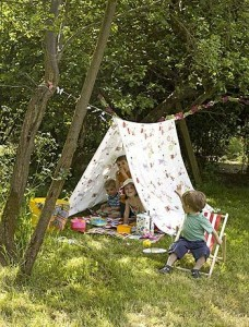 Outdoor kids summer activities- Kids story nooks-imagine-forest