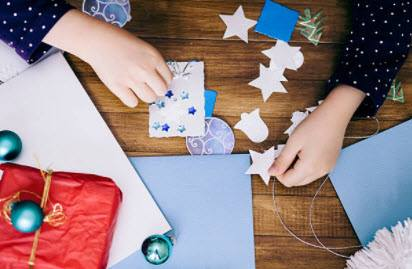 How To Wrap Christmas Gifts_step 1